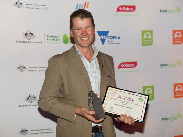 Landcarers shine at National Awards