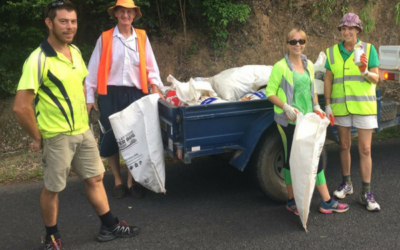 Landcare volunteers work together to remove rubbish from around 30km of roadside